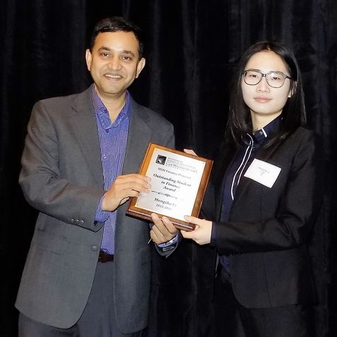 Mengsha Li, Outstanding Student in Finance